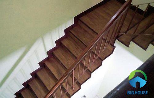 gạch ốp lát cầu thang 4
