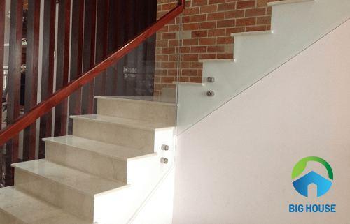 gạch ốp lát cầu thang 6