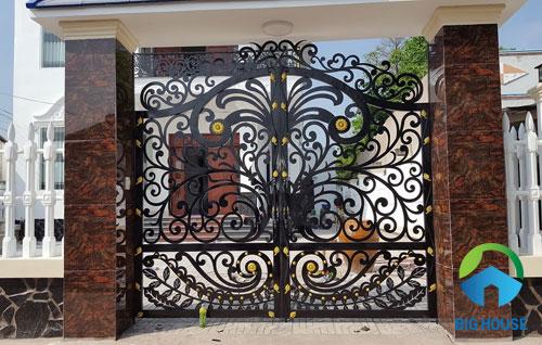 gạch ốp trụ cổng nhà 13