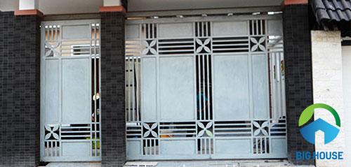 Gạch men giả thẻ ốp trụ cổng nhà