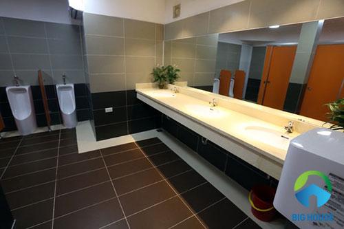 gạch lát nhà vệ sinh 30x60 6