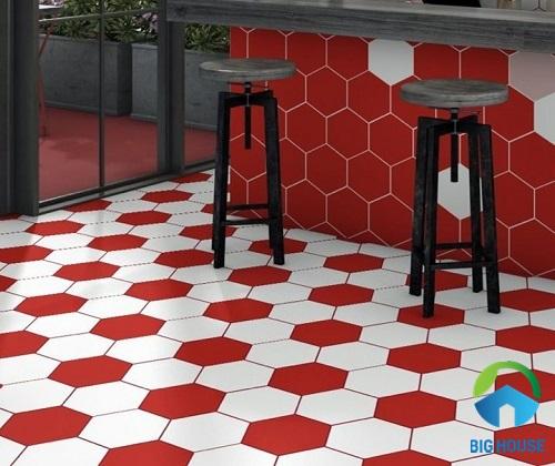 Gạch lục giác màu đỏ - trắng lát nền nổi bật