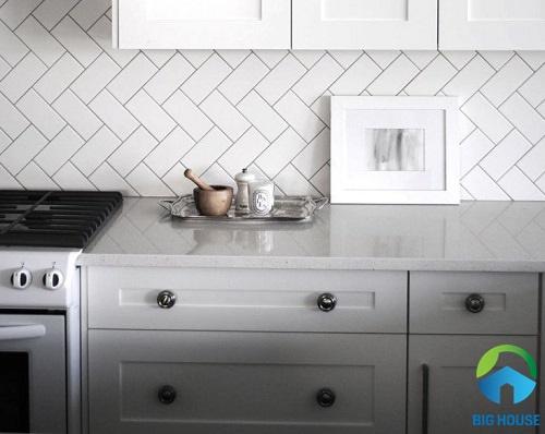 gạch ốp tường bếp màu trắng 14
