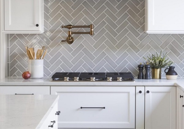 gạch mosaic ốp bếp màu xám