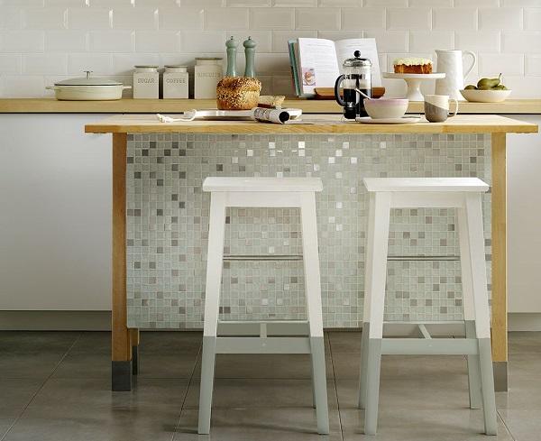 gạch mosaic thủy tinh ốp đảo bếp
