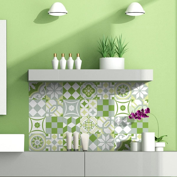 Gạch bông ốp tường màu xanh cho bức tường thêm hài hòa