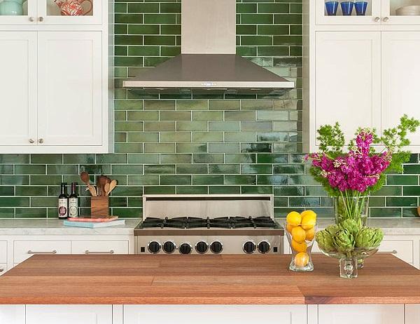 gạch ốp tường bếp màu xanh lá cây