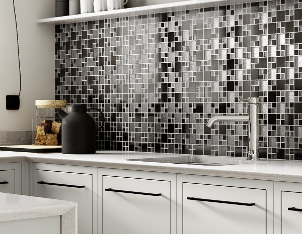 Gạch mosaic ốp tường bếp màu đen