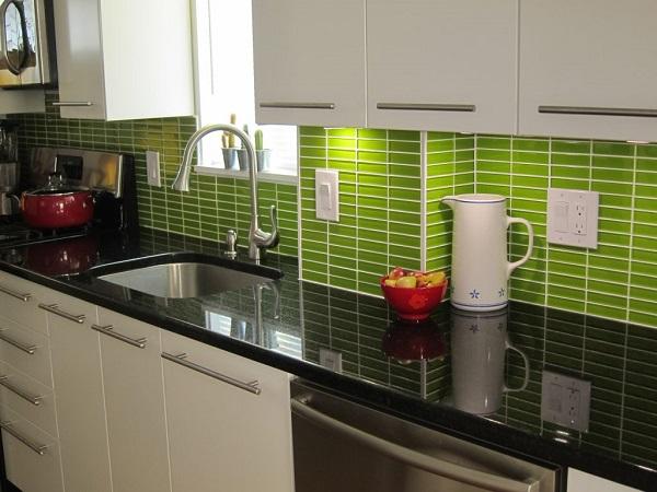 Mẫu gạch màu xanh lá mạ cho phòng bếp