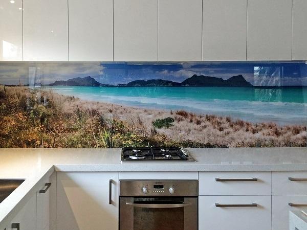 Mẫu gạch tranh ốp tường nhà bếp đẹp sống động