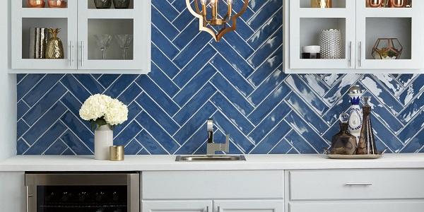 gạch thẻ ốp bếp màu xanh dương cobalt