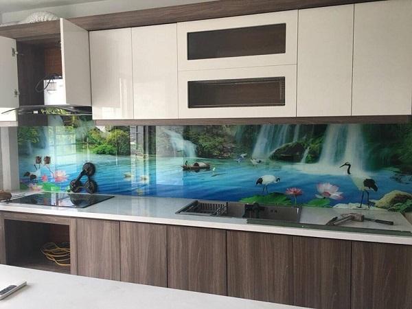 Gạch tranh ốp tường nhà bếp chủ đề sơn thủy hữu tình