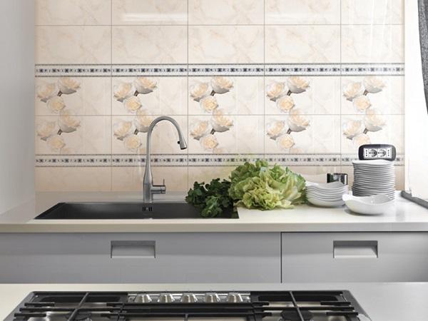 Bộ gạch ốp tường 30x60 màu vàng kem họa tiết hoa hồng của Đồng Tâm