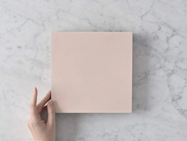 gạch men màu hồng nhạt