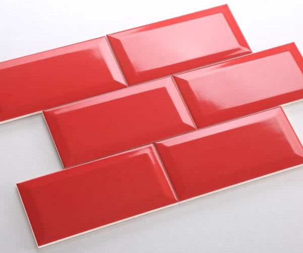 gạch thẻ ốp tường màu đỏ men bóng