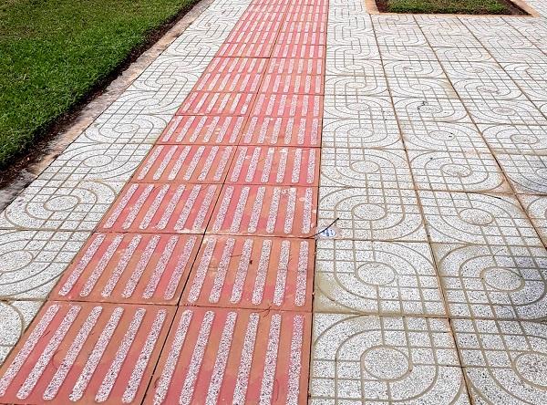 Gạch lát vỉa hè terrazzo mắt nai với họa tiết độc đáo và ấn tượng
