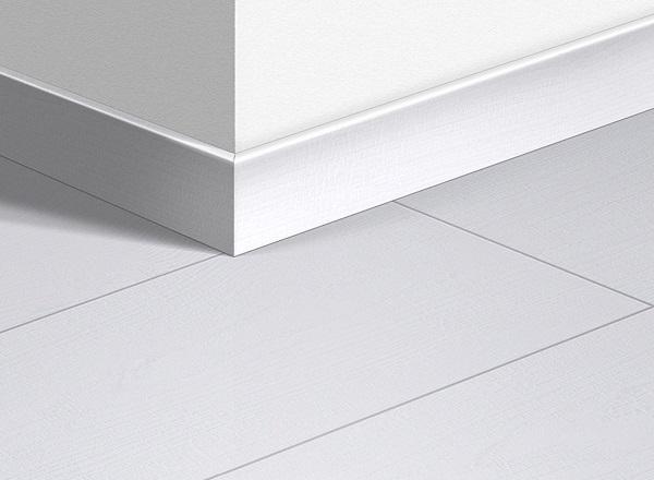 Mẫu gạch chân tường thấp trắng men bóng
