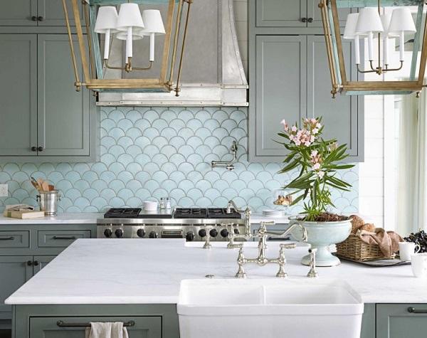 gạch mosaic vảy cá ốp tường bếp màu xanh bạc hà