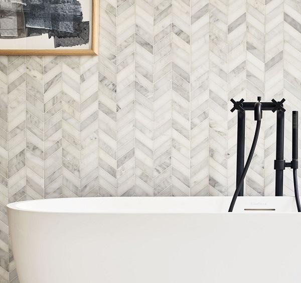 Gạch mosaic ốp nhà tắm hình xương cá họa tiết giả đá marble