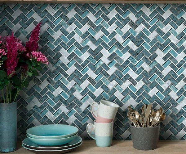 gạch mosaic ốp bếp màu xanh ngọc cho không gian thêm sang trọng, hiện đại