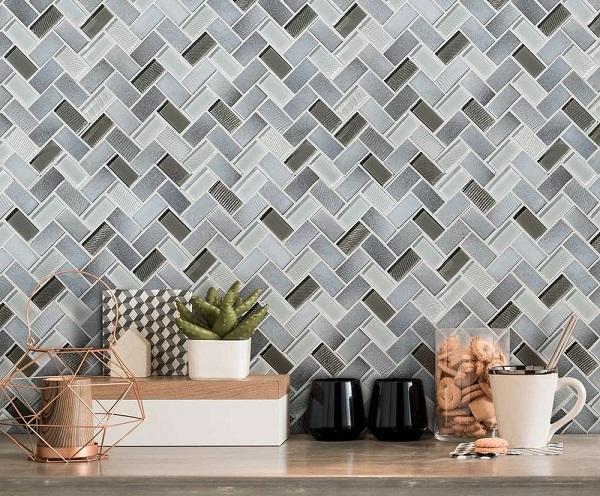 gạch mosaic xương cá bề mặt men bóng với 2 gam màu xám đậm - nhạt nổi bật