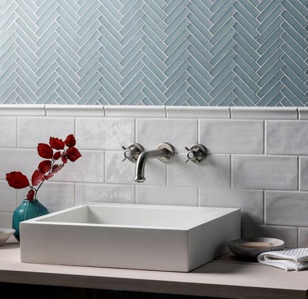 Gạch mosaic màu xanh ngọc vừa mang tính thẩm mỹ cao vừa có tác dung chống thấm hiệu quả